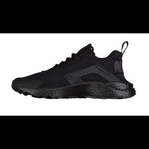 Nike Shoes - WOMEN'S NIKE AIR HUARACHE RUN ULTRA